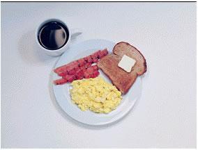 Omlet - 360 kalori  2 yumurta ve 1 parça tereyağ ile yapılmış omlet 2 parça salam 1 dilim tam tahıllı ekmek 1 fincan şekersiz/tatlandırıcılı çay/kahve 1 bardak soğuk su
