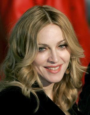 Madonna Katolikleri ayağa kaldırdı! - 6