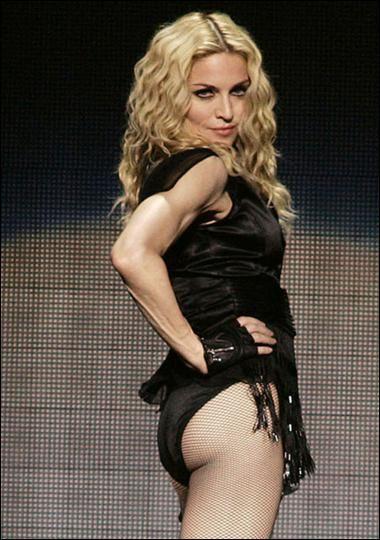 Madonna Katolikleri ayağa kaldırdı! - 18