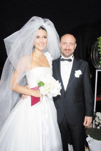 Bergüzar Korel ve Halit Ergenç evlendi - 1