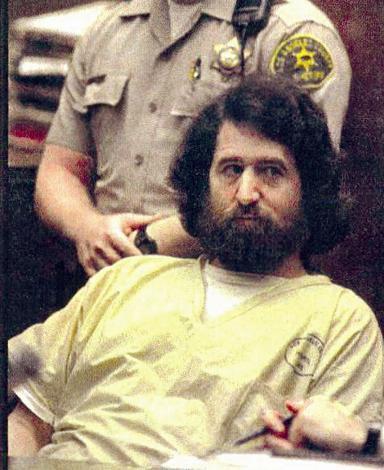 Ünlü şarkıcının evine zorla girmeye çalışan Hoskins, 1996 yılında yakalandı ve 10 yıl hapse mahkûm edildi.