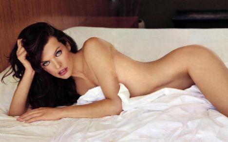 Seksi oyuncu Milla Jovovich,Maxim Dergisi'ne birbirinden seksi pozlar verdi!