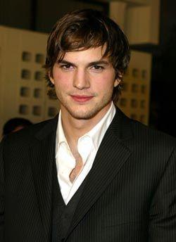 Ashton Kutcher'in vazgeçilmezi! - 16