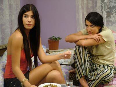 Feyza Çipa  Feyza Çipa esmer güzelliğiyle dikkat çeken oyuncularımızdan.