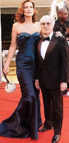 F1'in patronlarından Bernie Eccleston da eşi Slavica'dan hayli kısa.