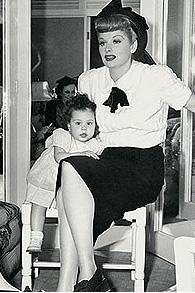 1940'lı yılların ünlü ıldızı Lucille Ball giyim ve saç tarzıyla günümüz yıldızlarına esin kaynağı oluyor.