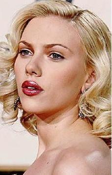 Scarlett Johansson kime benzemeye çalışmış sizce ?