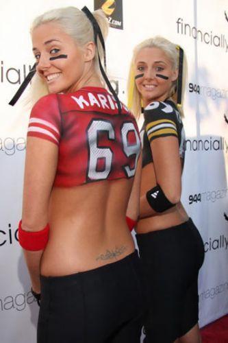 Karissa ve Kristina Shannon - 26