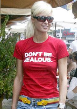 """Paris Hilton  """"Kıskanmayın""""  Diğer resimleri için tıklayın..."""