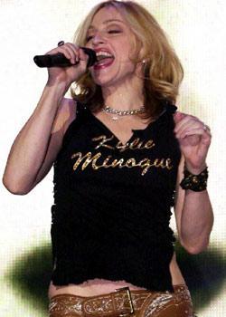 """Madonna  """"Kylie Minogue""""  Diğer resimleri için tıklayın..."""