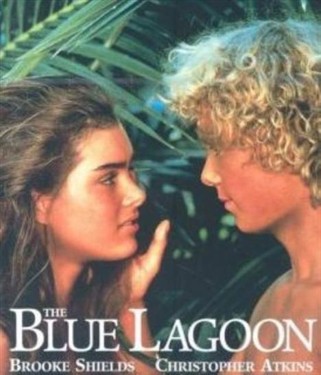 Henry De Vere Stacpoole'un romanından Randal Kleiser tarafından uyarlanan The Blue Lagoon 1980 tarihli bir yapım. 10 yıllık bir sürece damgasını vuran bu filmin sinemaya kazandırdığı yıldız ise Brooke Shields oldu. Filmin çekildiği dönemde 14 yaşında olan Brooke Shields bugün 42 yaşında.