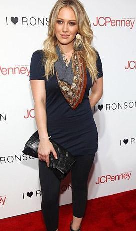 21 yaşındaki Hilary Duff, geleceğin kate Hudson'ı olarak görülüyor.