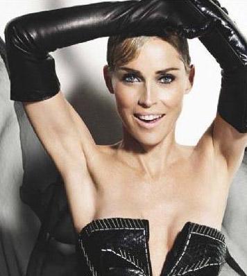 Sharon Stone   Geçen ay Fransız Paris Match dergisine cüretkar pozlar veren Sharon Stone ise tüm bu kadın yıldızların örnek aldığı isim.