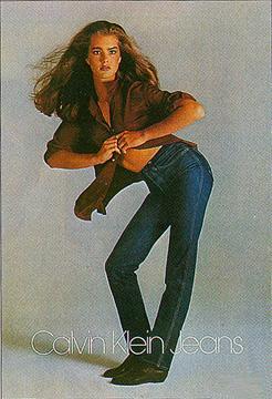 """80'lerde ise ünlü tasarımcıların koleksiyonlarında yer buldular. Bir dönem Madonna'nın müzik dünyasına adım atması için desteklediği Nick Camen'ın dev afişlerde Levi's 501 ile poz vermesi günün olayıydı. Brooke Shields'in; """"Calvin'imle arama kimse giremez"""" sloganı ile tanıttığı Calvin Klein jean pantolonlar ise yok satıyordu. Shields'in yarattığı dalgalanma ilerki yıllarda yerini Kate Moss'a bırakacak ve genç modeli yıldızlaştıracak, dahası birçok marka özel jean koleksiyonları piyasaya sürecekti."""