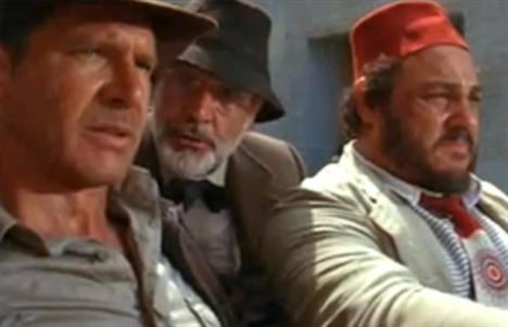 Harrison Ford (2 kez öldü)  Hangi filmlerde: Sivrisinek Sahili (The Mosquito Coast) / Gizli Gerçek (What Lies Beneath)  Harrison Ford Indiana Jones filminde de ölümsüzlüğü tatmıştı.
