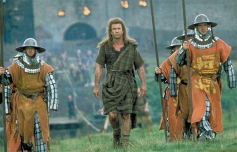 Mel Gibson (3 kez öldü)  Hangi filmlerde: Mrs. Soffel / Hamlet / Cesur Yürek (Braveheart) Öldüğü filmlerin yanında diğer birçok filminde de işkence ve acı çekti.