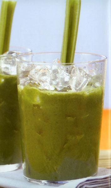 Arındırıcı  Koyu yapraklı yeşillikler vücudunuzun toksinlerden arınması için birebirdir. Limon ise alkali haliyle daha sağlıklı olmanızı sağlayacaktır.  MALZEMELER (2 kişilik) 2 adel kereviz sapı, 3 adet salatalık, 1 avuç dolusu ıspanak, 1 adet limon (kabukları soyulmuş), 1/2 demet maydanoz   HAZIRLANIŞI Bütün yeşillikleri Moulinex Juice Machine Katı Meyve Presi'nin haznesine koyarak sularını sıkın.  Limonu da ekleyip suyunu sıktıktan sonra servis bardağına doldurun.
