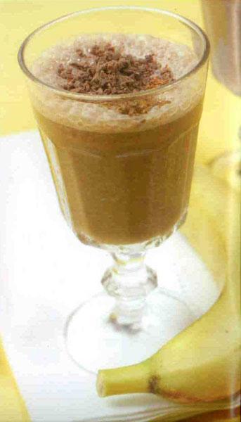 Cubana Banana   MALZEMELER (2 kişilik) 2 fincan süt. 1 fallı kaşığı kakao. 1/2 adet muz. 1 futam tarçın, 1/2 çay bardağı bal   HAZIRLANIŞI Süt dışındaki tum malzemelen Moulinex Direct Cocktail Blender'ın haznesine doldurun ve karıştırın. Daha sonra sütü ekleyin ve bütün malzemeler tamamen sıvı hal alana kadar karıştırın.  Servis bardağının içine birkaç parça buz doldurup üzerine içeceği ekleyip servis edin.