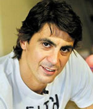 İbrahim Kutluay  Basketbol okulu  Şu sıralarda İstanbul Teknik Üniversitesi formasını terleten İbrahim Kutluay'ın basketbol serüveni 1992 yılında Fenerbahçe'de başladı.
