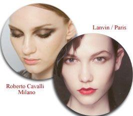 """Valentino'nun """"genç  ve güzel veliaht"""" temasına uygun düşen 'Alacakaranlık' görünümü, üst kirpik çizgisine ve göz pınarlarına simli bir ürün sürülmesi, bunun yumuşak ve koyu renkli farla pürüzsüz bir şekilde karıştırılması ve dudaklara renksiz parlatıcı sürülmesiyle elde ediliyor. Gece yarısının büyüsü, Versace'nin önemli temalarından biri ve koyu renkli, dumanlı gözleri vurgulayan fosforlu maviyle ortaya çıkıyor. Roberto Cavalli'de, gözlerin iç köşelerinde metalik pırıltılar göze çarpıyor.  Loewe'nin göz kapağının ortasına sürdürdüğü simli renk, koyu göz makyajı için de hoş bir ışıltının dikkat çekmesini sağlıyor. Anna Sui'nin Belle Epoque-Toulouse Lautrec temalı görünümü ise parlak gözkapakları ve göz çevresinde simlerle öne çıkıyor. Göz kapaklarının içlerine siyah kalem çekilmesiyle, göz alıcı ve eğlenceli bir görünüm elde ediliyor."""