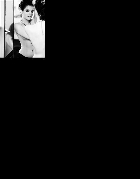 Lily Allen'dan üstsüz poz - 4