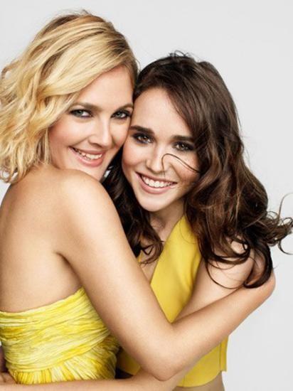 Sinemanın iki kadın yıldızı Drew Barrymore ve Ellan Page bir dergi çekimi için öpüştü!