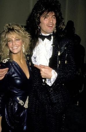 1986 ylılında evlenen Lee ve Locklear için başlangıçta her şey çok iyi gidiyordu.