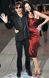 Mick Jagger - Luciana Gimenez  Kısa bir süre önce Bodrum'a gelen Jagger'ın yanında bu kez yeni sevgilisi Luciana Gimenez vardı.