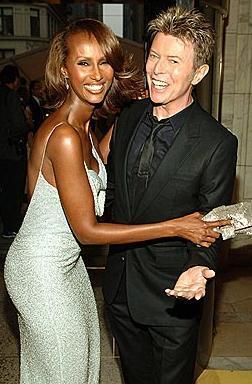 David Bowie- İman  Bowie 1992 yılında dönemin en gözde mankenlerinden İman ile evlendi. Diğer meslektaşlarının aksine bu evlilik hala sürüyor.
