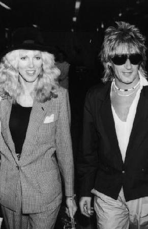 Ünlü müzik adamı ilk evliliğini 1979 yılında Alana Stewart ile yaptı.
