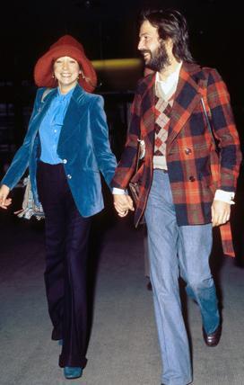 Eric Clapton- Pattie Boyd  Rock müzik tarihinin en çalkantılı aşklarından biri... Clapton manken Boyd ile Beatles üyezi George Harrison ile evliyken tanıştı.
