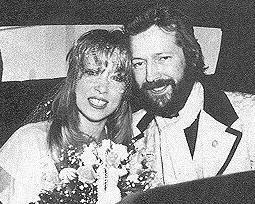 Ama evlilik uzunr sürmedi. 1979'da evlenen çift inişli çıkışlı bir dönemin ardından 198'de boşandı.
