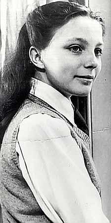 Sinemanın en güzel yıldızlarından Joan Collins 16 yaşındayken çekilen bir fotoğraf.