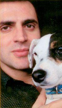 Teoman  Rock şarkıcısı Teoman'ın jack russel cinsinde bir köpeği var. Adı ise 'Çilek Blek'