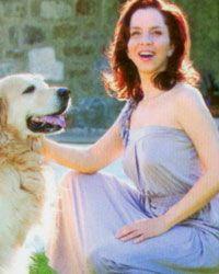Sertab Erener  Şarkıcı Sertab Erener de, golden retriever köpeği olan ünlülerden.Erener'in köpeğinin adı 'Can'.