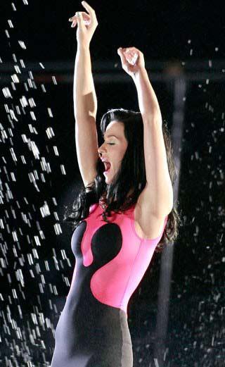 Islak Katy Perry - 23