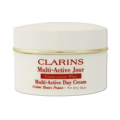 Cildin gençlik kaynaklarını uyaran yaşlanma etkilerine karşı etkili ilk günlük bakım ürünü Multi Active Jour, Clarins sayesinde piyasada. 30 yaştan itibaren yaşlanma etkilerine karşı günlük bakım isteyen herkesin kullanabileceği ürün cilde pürüzsüzlük ve güzellik kazandırıyor. Ayrıca kırışıklıkları azaltırken, gün boyunca cildinizi stresin neden olduğu faktörlere karşı aktif olarak koruyor.