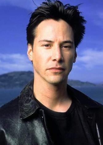 KARANLIKTAN KORKUYOR  Sinemanın karizmatik aktörü Keanu Reeves, karanlıktan korkuyor.