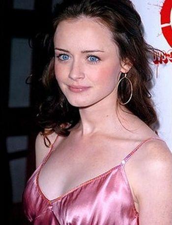 Alexis Bledel  Hollywood'un en tanınmış isimlerinden. 'Gilmore Girls' adlı dizideki Rory Gilmore rolü ile ünlendi.