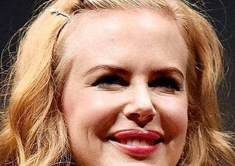 Nicole Kidman Alnı neredeyse yüzünden daha geniş. Ünlünün fotoğrafları için tıklayın...