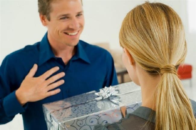 8-Sürprizlerden çok hoşlanırız. Ama sandığınız gibi bu sürprizin çok büyük olması gerekmez. Kendinize yeni bir ayakkabı aldığınızda, bir çift de bize alırsanız, hem teşekkürü hak eder, hem de öpücüğü kaparsınız.