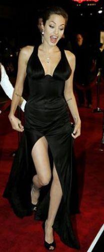Angelina Jolie  Ünlünün resimleri için tıklayın...
