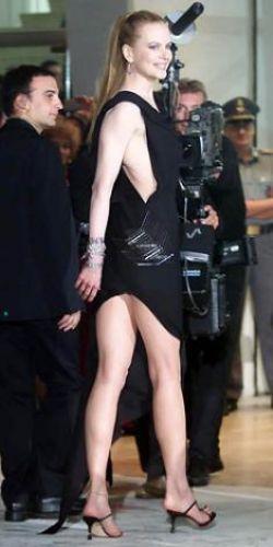 Nicole Kidman  Ünlünün resimleri için tıklayın...