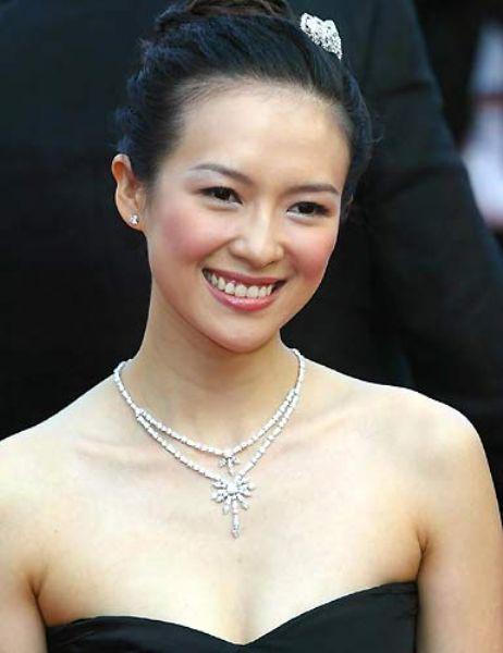 Zhang Ziyi Ünlünün foto galerisi için tıklayın...