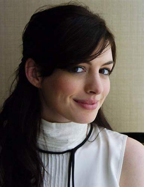 Anna Hathaway Ünlünün foto galerisi için tıklayın...