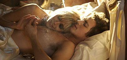 Sienna Miller: Aşk sahnesi mi? Çekin gitsin !  İngiliz sinemasının genç kuşak yıldızlarından Miller, sevişme sahneleri konusunda son derece rahat.