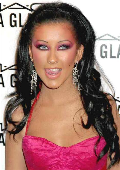 9. Christina Aguilera  Ünlünün diğer resimleri için tıklayın