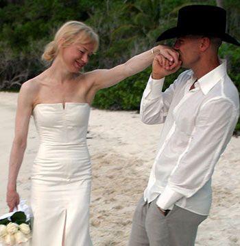 2005  İkinci filmden sonra kilo veren ünlü yıldız, şarkıcı Kenny Chesney ile evlendi.