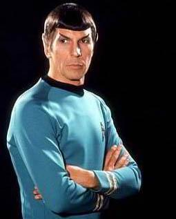 """Uzay Yolu'nda Kaptan Kirk'ün yardımcısı olarak tanıdığımız aktör Leonard Nimoy, tam anlamıyla ismi duyulduğunda """"o kim"""" denilebilecek bir oyuncu."""