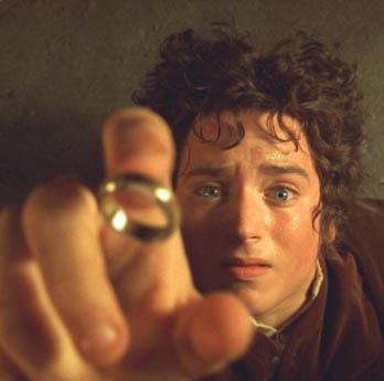 """ONUN ROLÜ DE ÜSTÜNE YAPIŞTI  Sinema tarihinin en çok izlenen serilerinden """"Yüzüklerin Efendisi"""" ile üne kavuşan Elijah Wood, burada bir """"hobbit""""i canlandırdı."""
